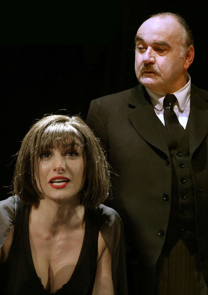 Padre e Figliastra a confronto, in una grande prova teatrale di Valentina Bardi.