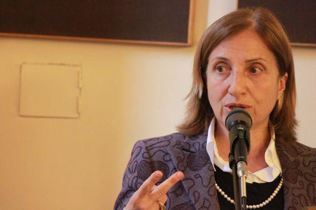 Maria Carmela Lanzetta, Ministro degli Affari Regionali.