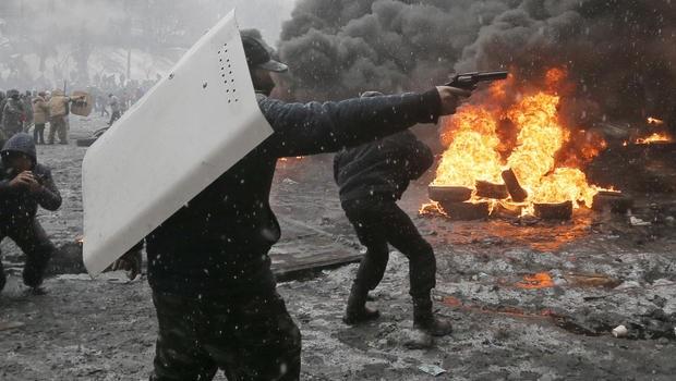 Scontri armati a Kiev, foto di un giorno fa.