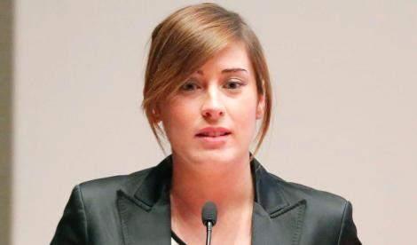 Maria Elena Boschi, Ministro dei Rapporti col Parlamento e delle Riforme Istituzionali.