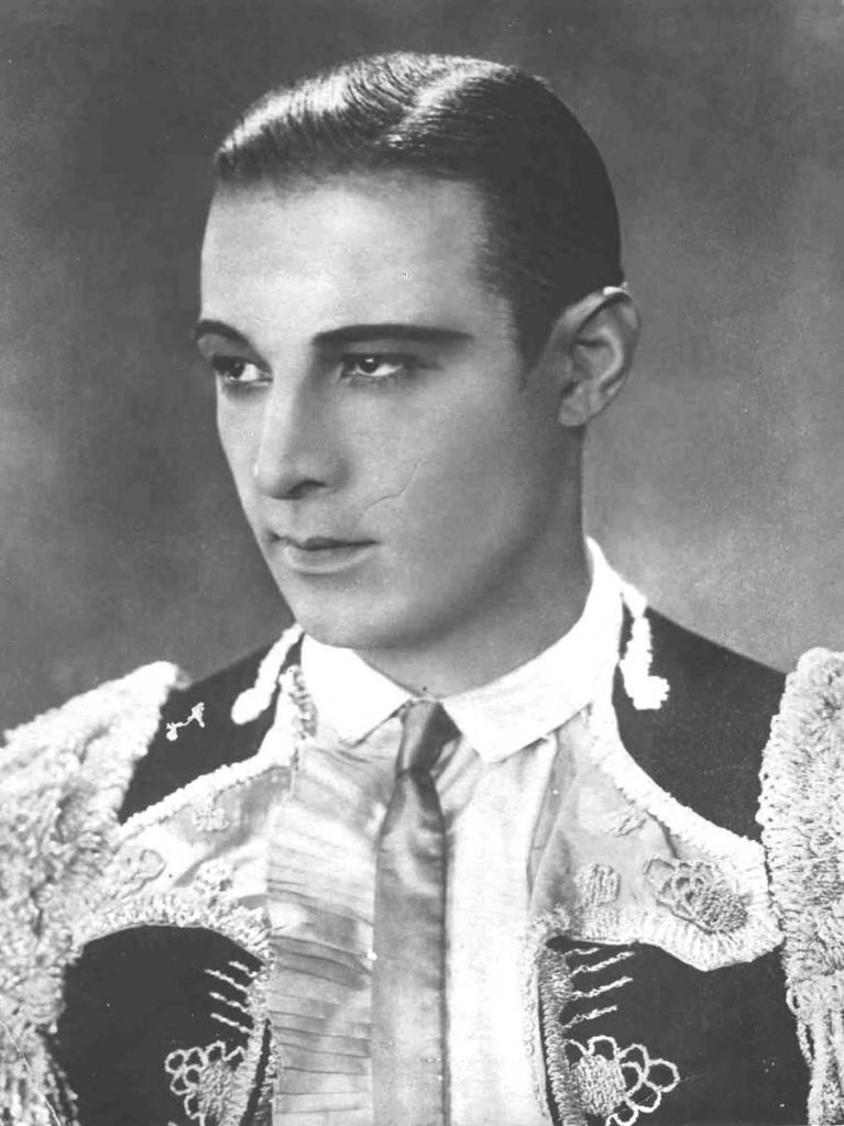 Rodolfo Valentino.