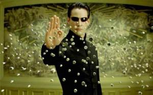 """Una scena tratta dal film """"Matrix"""" del 1999, di Lana e Andy Wachowski."""