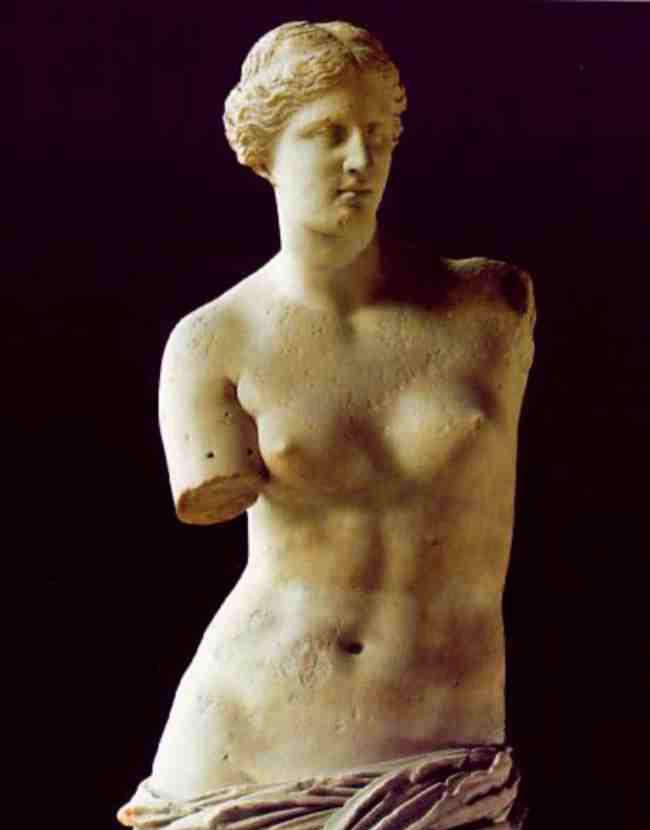 La Venere di Milo è da sempre considerata un paradigma di bellezza antica.